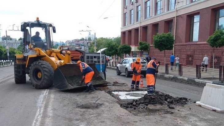 В воскресенье в Брянске продолжился ремонт на проспекте Ленина