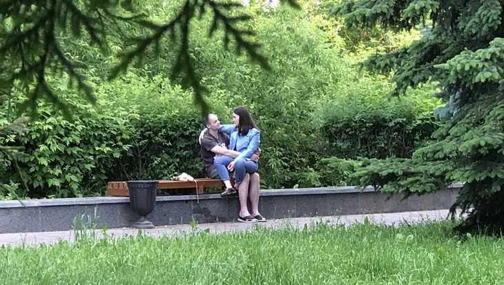 В Брянске Покровская гора после обновления приглянулась влюбленным