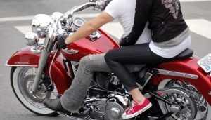 В Дятькове «Волга» врезалась в мотоцикл – ранена 21-летняя девушка