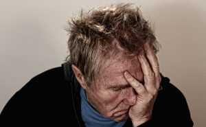 В Почепе пьяный отец едва не задушил 14-летнего сына
