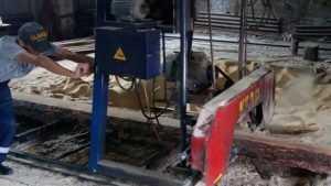 В Новозыбкове рабочий пилорамы лишился трех пальцев