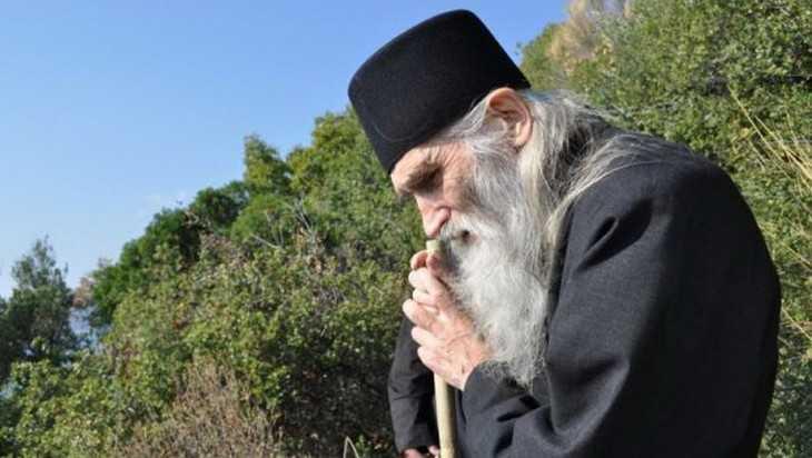 Брянский губернатор Александр Богомаз узнает судьбу у старца Илия