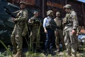 Зеленский и глава Генштаба ВСУ опозорились на передовой на Донбассе