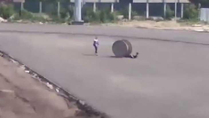 На стадионе «Десна» в Брянске сняли видео опасной забавы подростков