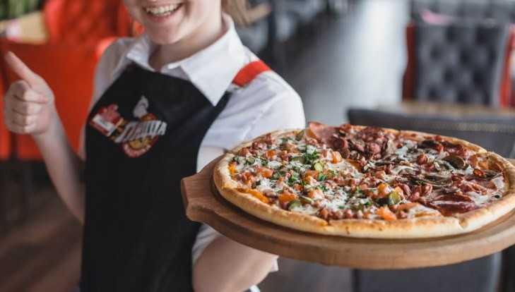 В Брянске производителя пиццы наказали за хвастливую рекламу