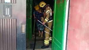 В Брянске из горящей многоэтажки эвакуировали 10 человек