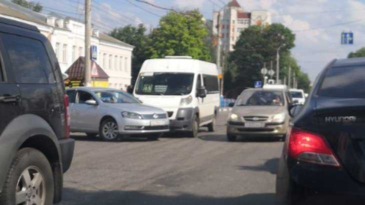 В Брянске в пятницу маршрутки два раза попадали в ДТП