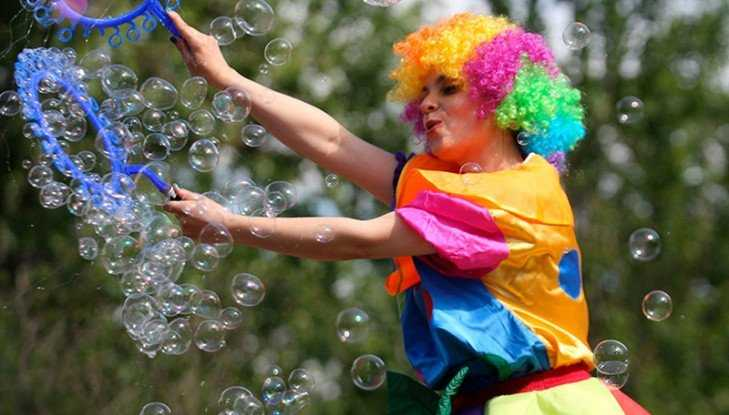 Жителей Брянска разочаровал фестиваль мыльных пузырей