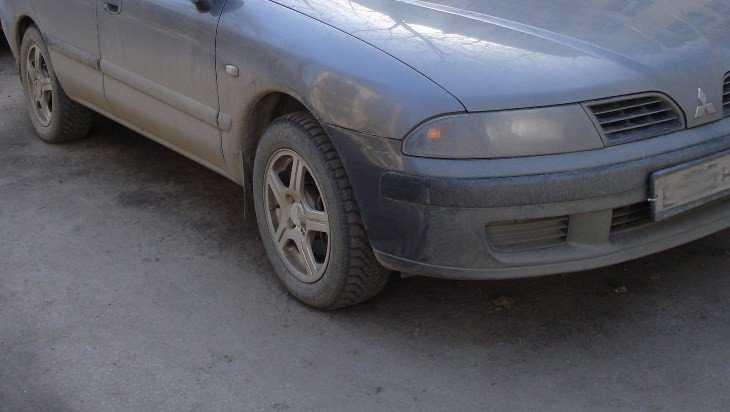 В Клинцах попавшая под автомобиль пенсионерка сломала два пальца