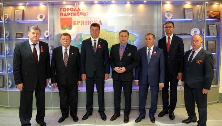 Глава польского Конина прибыл в Брянск на торжества в честь Дня Победы