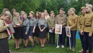 В Брянске православная молодёжь приняла участие в торжествах в честь Дня Победы