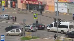 В Брянске спешно эвакуировали покупателей и сотрудников ТЦ «Домино»