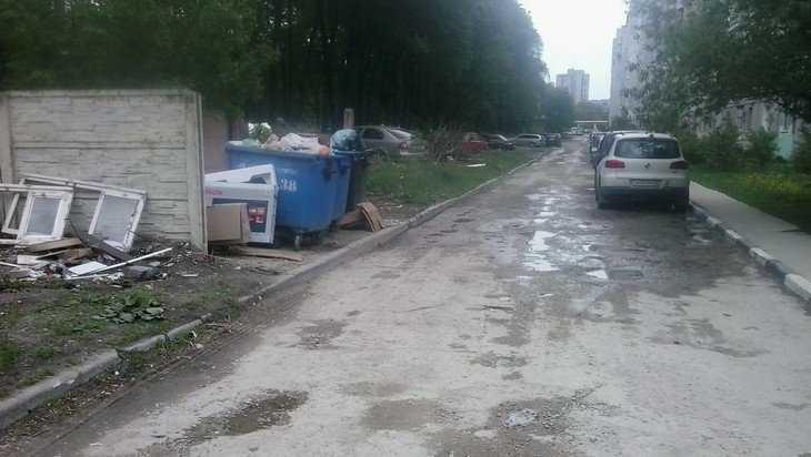 В Брянске Рославльская улица превратилась в мерзость запустения