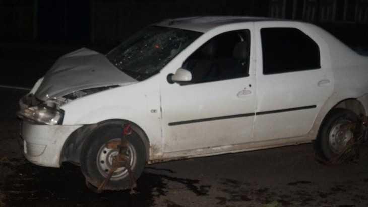 Трое пассажиров легковушки пострадали в ночном ДТП в Брянске