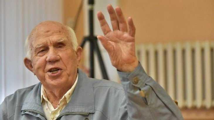 В Брянске отпраздновали 90-летие фотохудожника Николая Романова