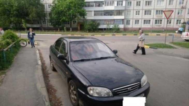 В Брянске 10-летний мальчик на велосипеде попал под иномарку