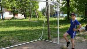 Юным новозыбковцам подарили футбольные ворота
