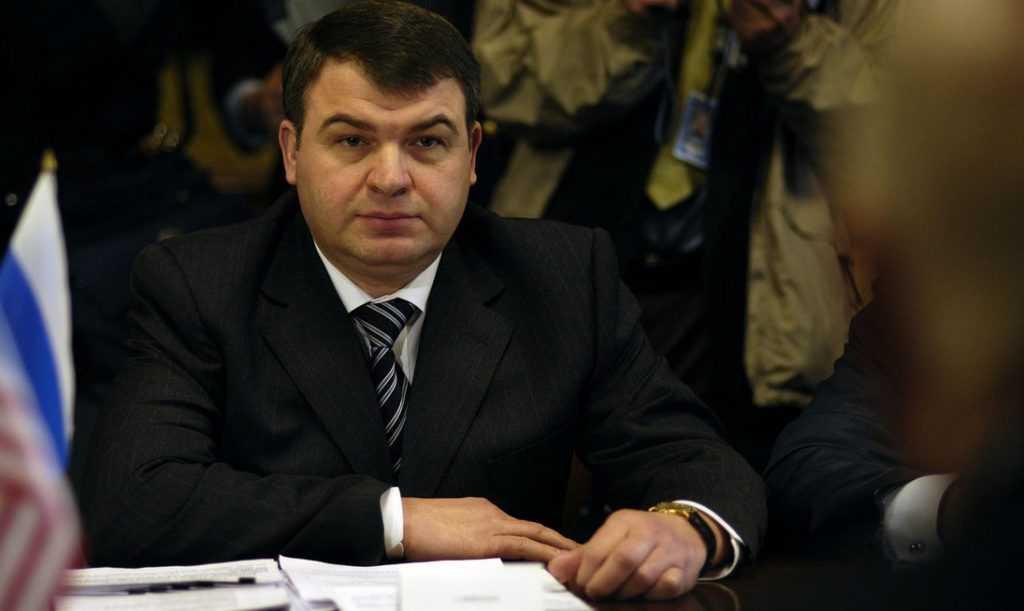 Бывший министр Сердюков займется авиастроительной корпорацией