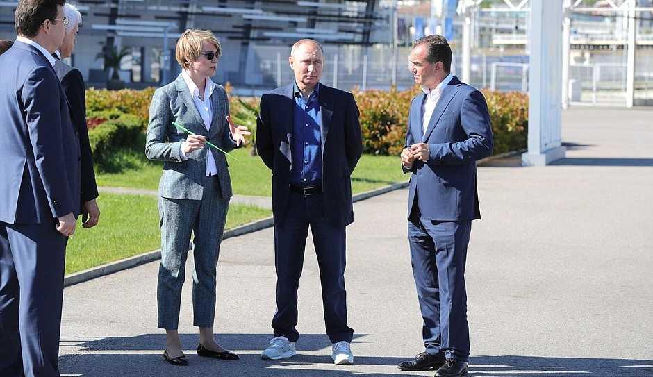 Путин в культовых американских кроссовках New Balance взорвал соцсети