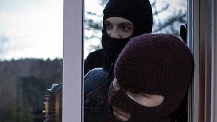 Парочка охотников за металлом обокрала дачу жителя Клинцов