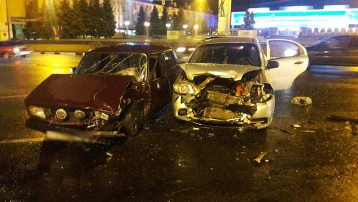 В Брянске в ДТП у площади Партизан пострадали три человека