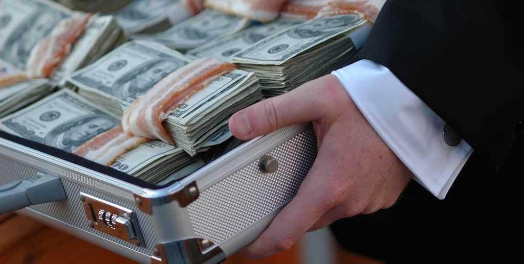 Коррумпированный офицер ФСБ побил рекорд продажного полицейского