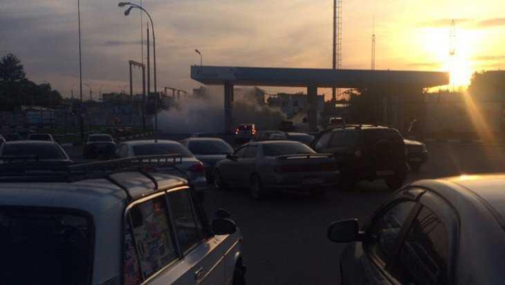 В Брянске на заправке загорелся легковой автомобиль