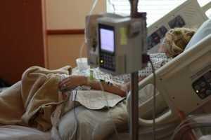 Брянские врачи ответили на обвинения в мучениях онкобольной женщины