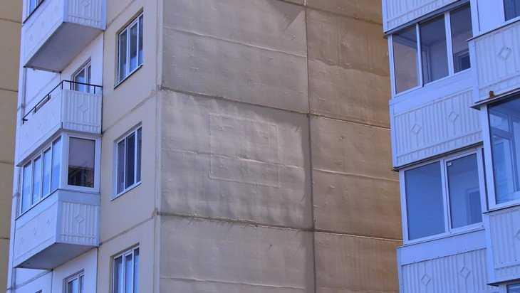 На стенах брянских домов проявились загадочные галактические письмена
