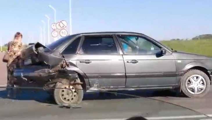 В Брянске на объездной дороге возле АЗС столкнулись две иномарки
