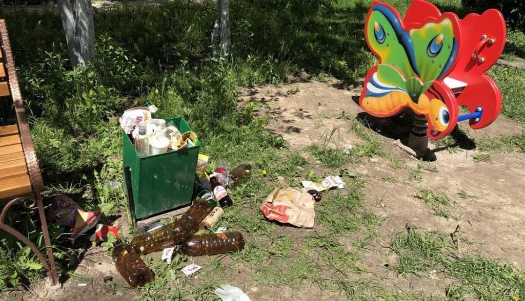 Брянцы пожаловались на мусор после концерта на Кургане Бессмертия