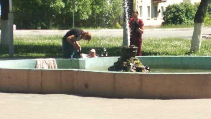 Брянцев насмешили устроившие в фонтане стирку цыгане