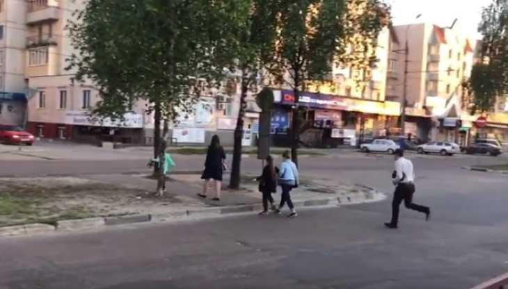 Житель Брянска потребовал вернуть закрытый переход у БУМа