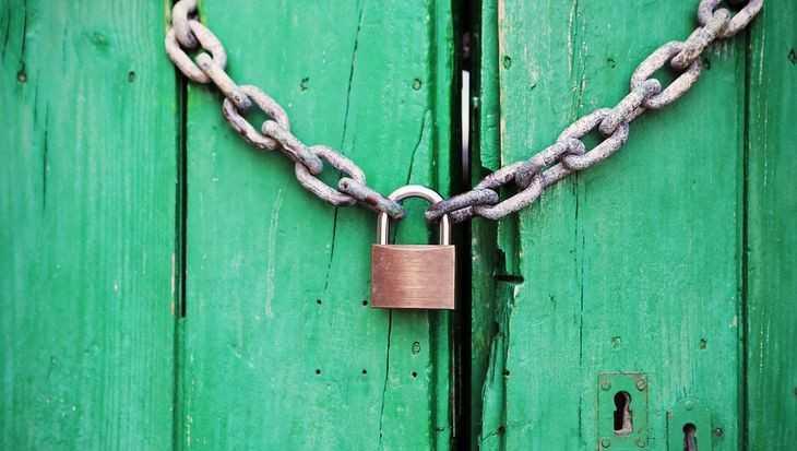 В Стародубе молодая женщина похитила из дома подруги 9000 рублей