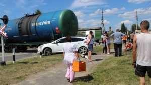 В Дятькове при столкновении тепловоза с «Фордом» пострадал помощник машиниста