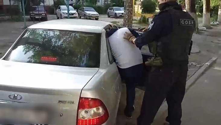Четверых жителей Брянска задержали за аферы с мнимыми ДТП