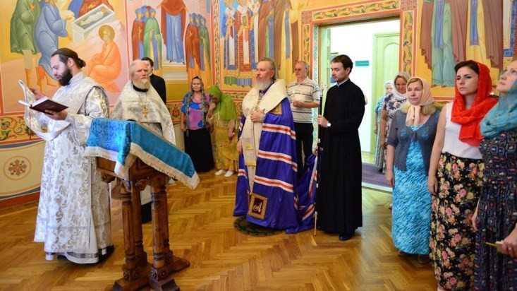 В брянских храмах священнослужители помолились о дожде