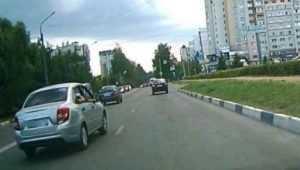 В Брянске наказали водителя «Лады» за опасный проезд на красный