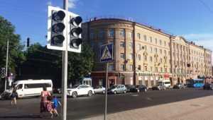 В Брянске установили на площади Ленина светофор с «зелёной волной»