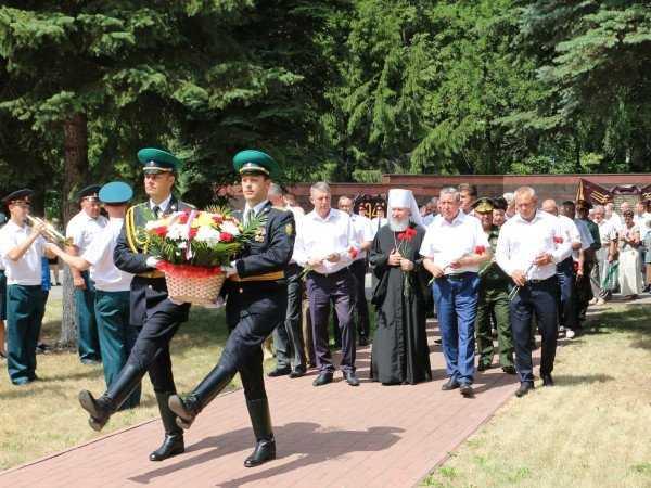 Жители Брянской области почтили память павших в годы ВОВ