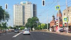 В Брянске на проспекте Ленина установили светофор у гостиницы «Брянск»