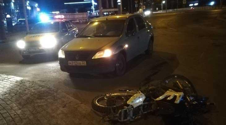 В Брянске на кольце возле телецентра сбили мотоциклиста