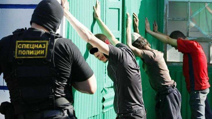 В Клинцах предстанут перед судом трое студентов-наркодилеров