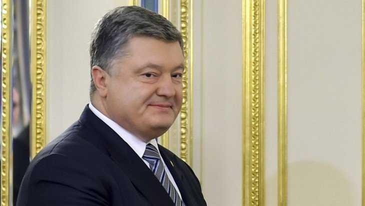 Коротченко предложил Петру Порошенко переименоваться в Шарикова