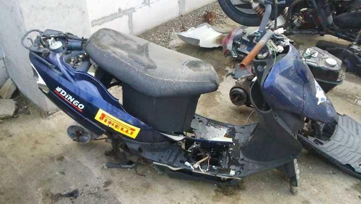 В Красногорском районе двое селян разобрали на лом чужой скутер