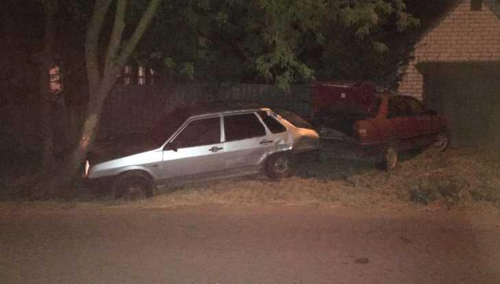 В Володарском районе Брянска ночью столкнулись три автомобиля