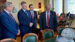 Брянский губернатор поздравил Геннадия Зюганова с 75-летием