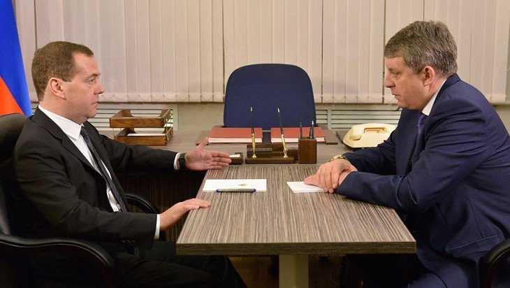 Медведев одобрил строительство эндокринного завода в Брянской области