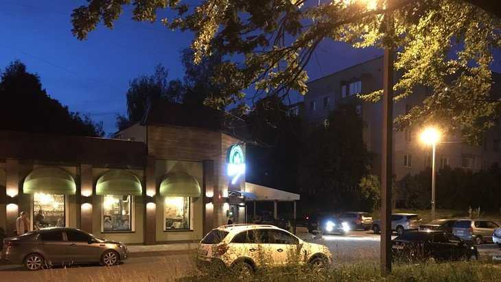 Владельцы брянских кафе похвалились доходами от нищей молодежи