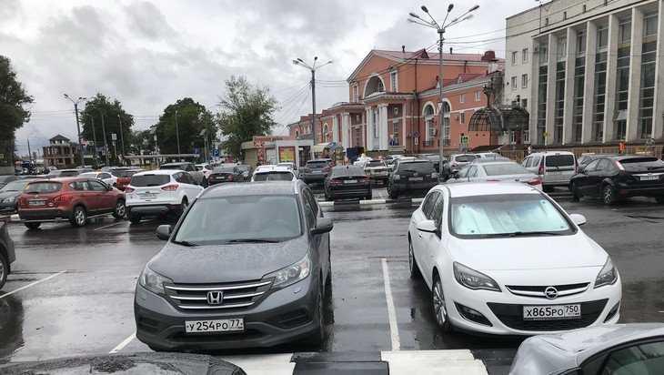 Платная стоянка возле вокзала Брянск-I перестала пугать водителей